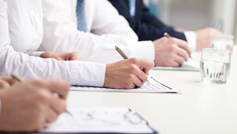 Fundae envía encuestas sobre la modalidad online a las entidades organizadoras y tutores.